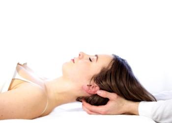 Abb. 8 Kranio Sakrale Stimulation des zehnten Gehirnnervs