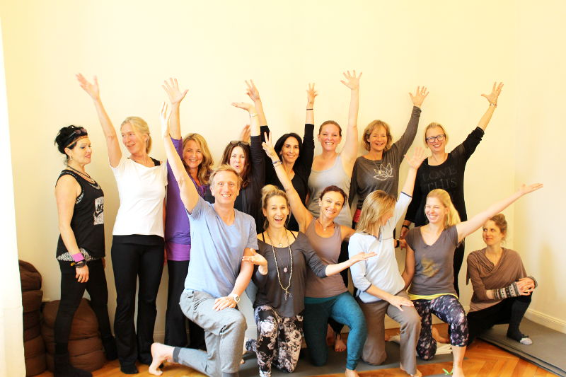 Die 300h-Yogalehrer-Ausbildungsgruppe in Wiesbaden