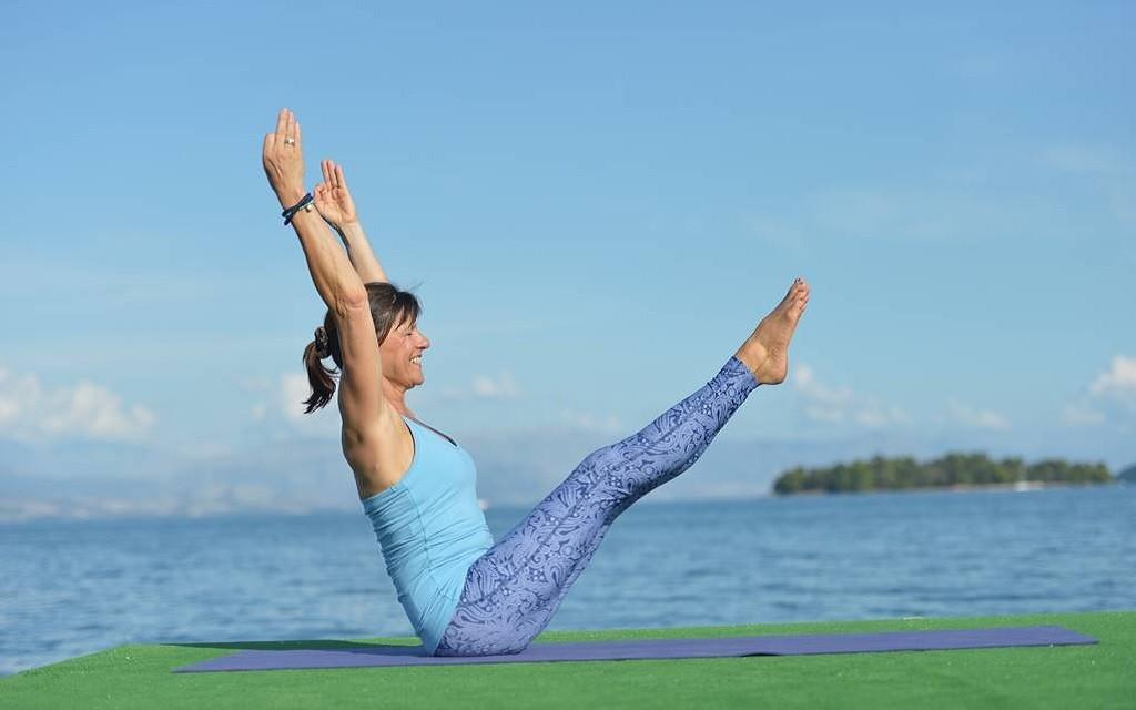 1024x640_Christiane_Wolf_Core_Yoga_2