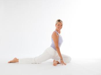 Ann, Yoga, small, credt Raimar von Wienskowski-5